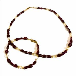Jewelry - Garnet/pearl/gold tone necklace and bracelet set